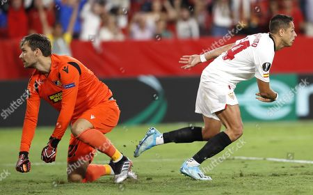 Sevilla FC's Javier 'Chicharito' Hernandez (R) celebrates after scoring during the UEFA Europa League Group A soccer match between Sevilla FC and Apoel FC at the Sanchez Pizjuan stadium in Seville, Spain, 03 October 2019.