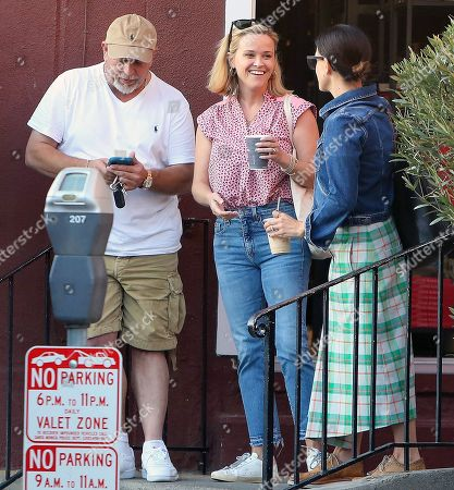 Reese Witherspoon chatting with friends in Brentwood