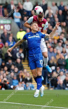 Lucas Digne of Everton and Johann Berg Gudmundsson of Burnley