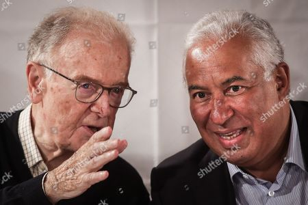 Portuguese Prime Minister and general secretary of the Socialist Party, Antonio Costa (R), chats with former Portuguese president Jorge Sampaio (L) during a lunch in the last day of political campaign for the upcoming legislative elections, in Mangualde, Portugal, 04 October 2019. The 2019 legislative elections will take place on 06 October.