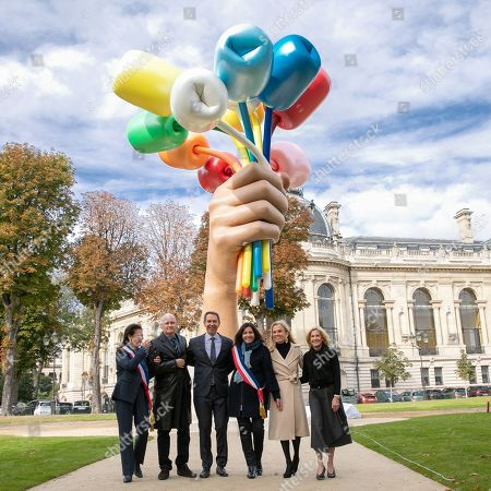 Editorial image of Jeff Koons 'Bouquet of Tulips' art installation unveiled, Paris, France - 04 Oct 2019