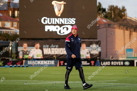 Glasgow Warriors vs Scarlets. Scarlets' Tom James inspects the pitch ahead off the game