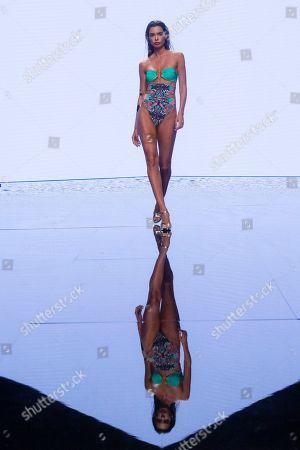 Joana Sanz (whose is married to Brazilian footballer dani Alves) on the catwalk