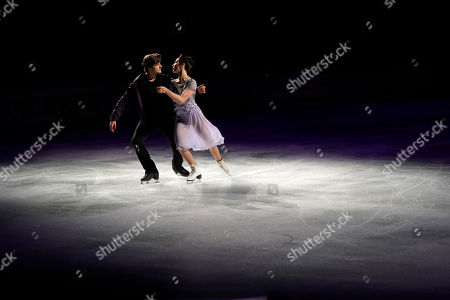 Meryl Davis, Charlie White. Guest skaters Meryl Davis and Charlie White of the United States perform during an intermission at the Japan Open figure skating team competition in Saitama, Japan