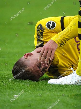 Dortmund's Thorgan Hazard reacts during the German Bundesliga soccer match between SC Freiburg and Borussia Dortmund in Freiburg, Germany, 05 October 2019.