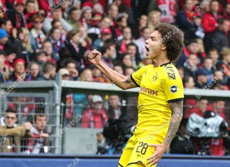 Dortmund's Axel Witsel celebrates his opening goal during the German Bundesliga soccer match between SC Freiburg and Borussia Dortmund in Freiburg, Germany, 05 October 2019.