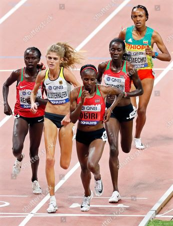Hellen Obiri (front) of Kenya is on her way to win the women's 5,00m final at the IAAF World Athletics Championships 2019 at the Khalifa Stadium in Doha, Qatar, 05 October 2019. Obiri won ahead of her second placed compatriot Margaret Chelimo Kipkemoi (2-R) and third placed Konstanze Klosterhalfen (2-L) of Germany.