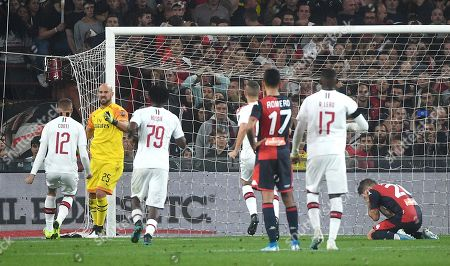 Milan's Pepe Reina (2-L) celebrates after saving a penalty kicked by Genoa's Lasse Schone (R) during the Italian Serie A soccer match Genoa CFC vs AC Milan at the Luigi Ferraris stadium in Genoa, Italy, 05 October 2019.