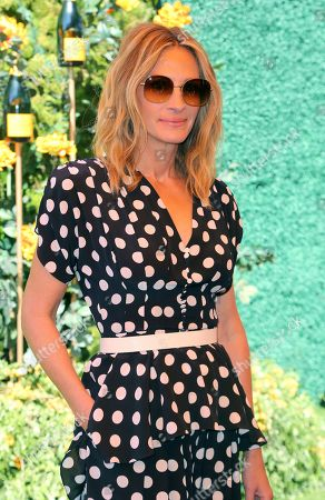 Julia Roberts attends the 10th Annual Veuve Clicquot Polo Classic at Will Rogers State Historic Park, in Los Angeles, Calif