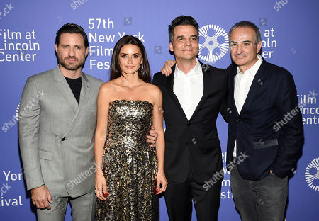 "Edgar Ramirez, Penelope Cruz, Wagner Moura, Olivier Assayas. Actors Edgar Ramirez, from left, Penelope Cruz and Wagner Moura pose with director Olivier Assayas, right, at the ""Wasp Network"" premiere during the 57th New York Film Festival at Alice Tully Hall, in New York"