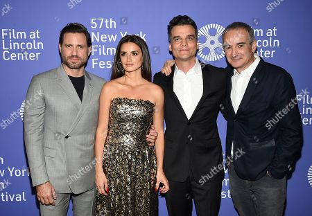 "Edgar Ramirez, Penelope Cruz, Wagner Moura, Olivier Assayas. Actors Edgar Ramirez, left, Penelope Cruz and Wagner Moura pose with director Olivier Assayas, right, at the ""Wasp Network"" premiere during the 57th New York Film Festival at Alice Tully Hall, in New York"