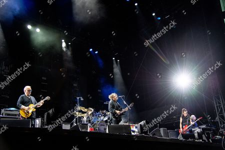 Reeves Gabrels, Robert Smith, Simon Gallup and Roger O'Donnell - The Cure