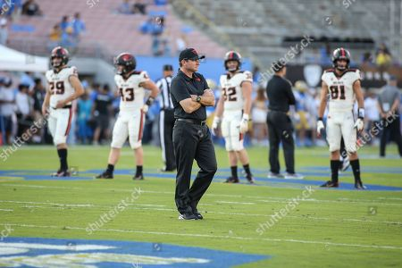 Pasadena CA,..Oregon State Beavers head coach Jonathan Smith during the Oregon State vs UCLA Bruins at the Rose Bowl in Pasadena, Ca. on , (Photo by Jevone Moore)