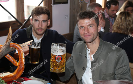 Leon Goretzka and Thomas Muller