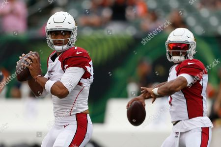 Arizona Cardinals quarterback Brett Hundley practices before an NFL football game against the Cincinnati Bengals, in Cincinnati