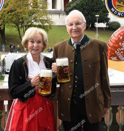 Edmund Stoiber and wife Karin  Besuch team des FC Bayern Muenchen auf dem Oktoberfest6.10.2019 in Muenchen.