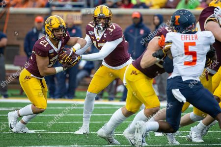 Seth Green, Bryce Williams. Minnesota wide receiver Seth Green (17) hands off to running back Bryce Williams (21) against Illinois in the fourth quarter of an NCAA college football game, in Minneapolis. Minnesota won 40-17