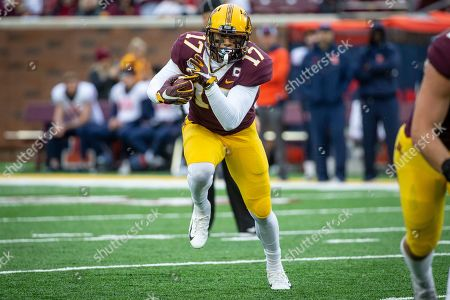 Minnesota wide receiver Seth Green (17) rushes against Illinois in the fourth quarter of an NCAA college football game, in Minneapolis. Minnesota won 40-17
