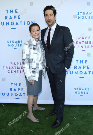 Gail Abarbanel and David Schwimmer