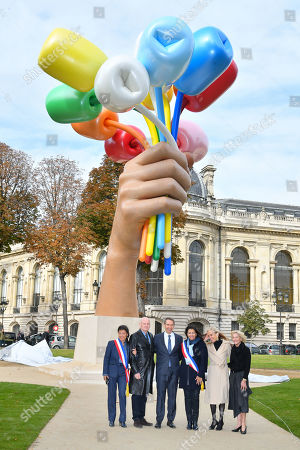 Editorial picture of Jeff Koons 'Bouquet of Tulips' art installation unveiled, Paris, France - 04 Oct 2019
