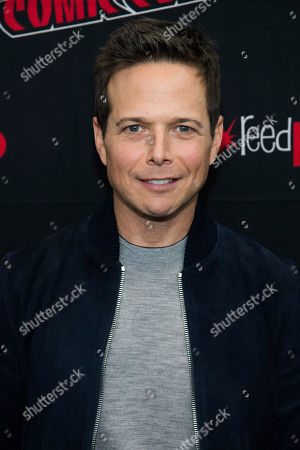 """Scott Wolf attends New York Comic Con to promote The CW's """"Nancy Drew"""" at the Jacob K. Javits Convention Center, in New York"""