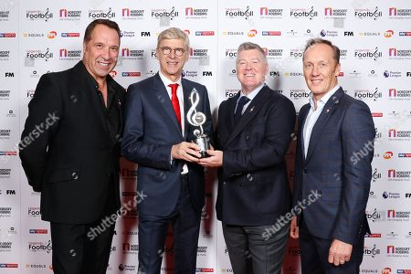 Arsene Wenger poses with his award with Geoff Shreeves, David Seaman and Lee Dixon
