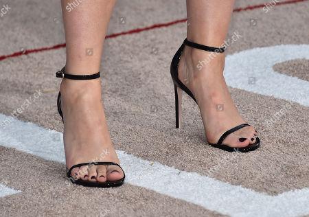 Sophia Bush, shoe detail