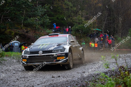 Dyfi, Wales Rally GB 2019 Stage 16 : Petter Solberg & Co Driver Phil MILLS competing in the Volkswagen Polo R5 powering through the sweeping left hander at Dyfi