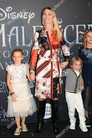Eleonora Abbagnato with son Gabriel Balzaretti and daughter Julia Balzaretti and guest
