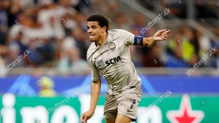 Shakhtar's Taison controls the ball during the Champions League group C soccer match between Atalanta and Shakhtar Donetsk at the San Siro stadium in Milan, Italy