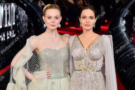 Stock-billede af Elle Fanning and Angelina Jolie