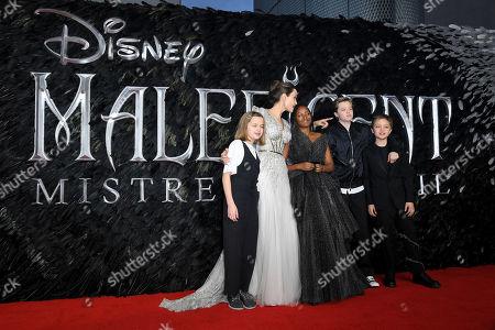Stock Photo of Vivienne Jolie-Pitt, Angelina Jolie, Zahara Jolie-Pitt, Shiloh Jolie-Pitt and Knox Leon Jolie-Pitt