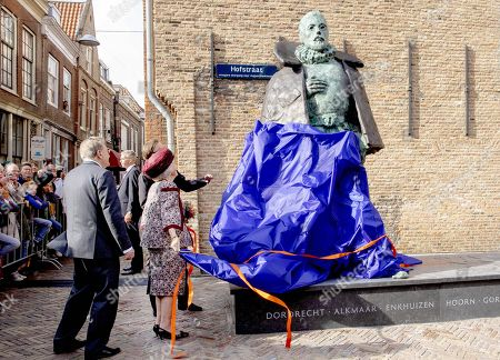 Princess Beatrix during the unveiling of a statue of Willem van Oranje in Dordrecht
