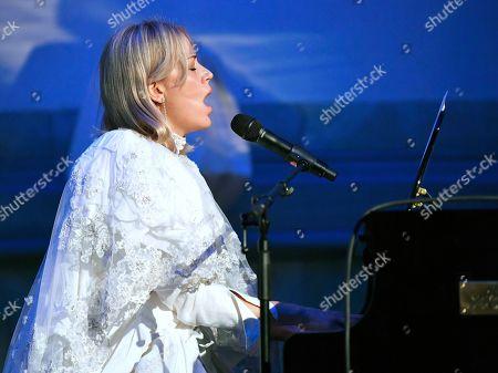 Frida Hyvonen, Swedish singer-songwriter.
