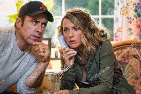 Jason Jones as Nate Parker and Natalie Zea as Robin Parker