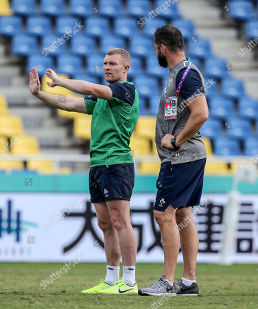 Keith Earls with defence coach Andy Farrell