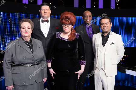 (l-r) Chasers Anne Hegerty, Mark Labbett, Jenny Ryan, Shaun Wallace and Paul Sinha