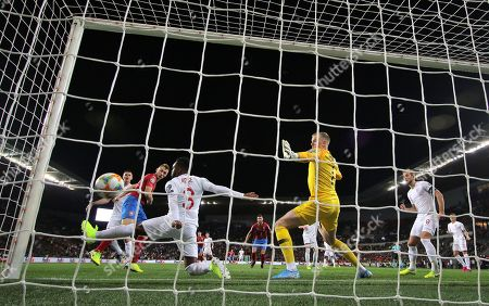 Jakub Brabec of Czech Republic scores his sides first goal  past Jordan Pickford of England despite the attentions Danny Rose and Michael Keane