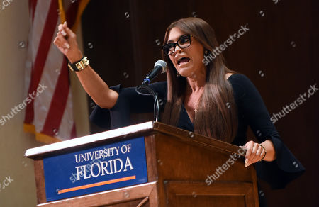 Donald Trump Jnr. 's girlfriend, Kimberly Guilfoyle speaks to the students at the University of Florida.