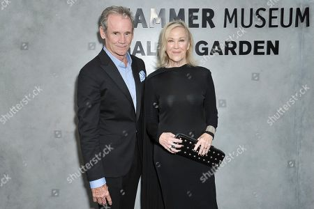 Bo Welch, Catherine O'Hara. Bo Welch, left, and Catherine O'Hara attend the 17th Annual Hammer Museum Gala in the Garden, in Los Angeles