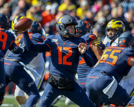 Saturday th - Illinois Fighting Illini quarterback Matt Robinson (12) sets up to pass during NCAA football game action between the University of Illinois Fighting Illini vs the Michigan University Wolverines at Memorial Stadium in Champaign, ILL