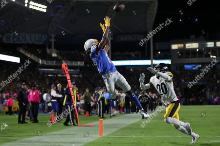 Los Angeles Chargers wide receiver Travis Benjamin (C) makes the catch but crosses out of bounds, denying him a touchdown reception during the NFL American Football game between the Pittsburg Steelers and the Los Angeles Chargers at the Dignity Health Sports Park in Carson, California, USA, 13 October 2019.