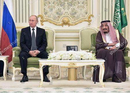 Russian President Vladimir Putin (L) and Saudi Arabia's King Salman bin Abdulaziz Al Saud (R) attend a signing ceremony following their talks at the Saudi Royal palace in Riyadh, Saudi Arabia, 14 October 2019. Russian President Vladimir Putin pays a state visit to Saudi Arabia.