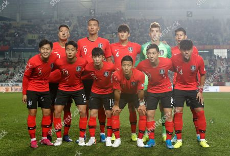 Lee Kang-in, Paik Seung-ho, Kim Moon-hwan, Hwang Hee-chan, Nam Tae-hee, Hong Chul, Kwon Kyung-won, Kim Shin-wook, Kim Min-jae, Jo Hyeon-woo, Son Heung-min. South Korea's national soccer team players front row from left, Lee Kang-in, Paik Seung-ho, Kim Moon-hwan, Hwang Hee-chan, Nam Tae-hee, Hong Chul, and back row from left, Kwon Kyung-won, Kim Shin-wook, Kim Min-jae, Jo Hyeon-woo, Son Heung-min pose prior to the start of the their Asian zone Group H qualifying soccer match between South Korea and Sri Lanka for the 2022 World Cup at Hwaseong Sports Complex Main Stadium in Hwaseong, South Korea. The rival Koreas are set to meet in an historic soccer World Cup qualifier in Pyongyang, but the match has been cast into media darkness in the South, with the North disallowing South Korean reporters and spectators and refusing a live broadcast from Kim Il Sung Stadium