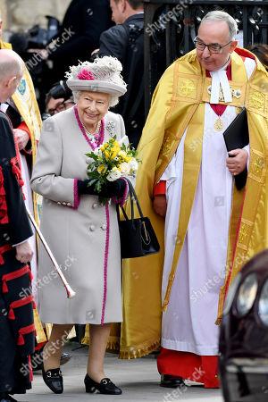Queen Elizabeth II and The Very Reverend John Hall