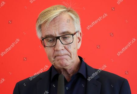 The co-chairman of German The Left party Dietmar Bartsch gives a press statement ahead of the parliamentary group meeting in the German Bundestag, in Berlin, Germany, 15 October 2019. The FDP, The Left and The Greens parties are considering to request a committee of inquiry to the failed car toll plans by German Minister of Transport Andreas Scheuer.