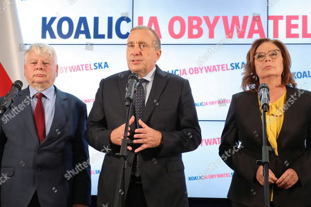 (L-R) Bogdan Borusewicz, Grzegorz Schetyna and Malgorzata Kidawa-Blonska from Civic Platform (PO) attend a press conference in Warsaw, Poland, 15 October 2019. In the election to the Sejm (lower house) on 13 October, the conservative PiS received 43.59 percent of the vote, the centrist Civic Coalition (KO), led by the Civic Platform (PO), received 27.4 percent. The Left, a coalition of three left-wing parties, running under the Democratic Left Alliance (SLD) party banner, was supported by 12.56 percent. The agrarian Polish People's Party (PSL), which ran together with the right-wing Kukiz'15 movement, was supported by 8.55 percent of voters. The far-right Confederation was backed by 6.81 percent of voters. The German Minority will have one mandate. PiS lost its majority in the 100-seat Senate Senate (upper house), winning 48 seats. KO secured 43 mandates, PSL won 3 and SLD took 2. The four remaining seats went to independent candidates. The newly elected Sejm and Senate will hold their first sittings on 12 November at the latest.