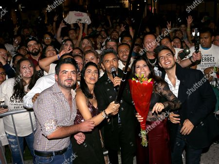 Jose Eduardo Derbez, Aislinn Derbez, Eugenio Derbez, Alessandra Rosaldo and Vadhir Derbez