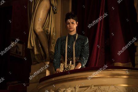 Lucie Boujenah as Jeanne d'Alcie