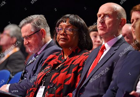 Barry Gardiner (l) And Diane Abbott And John Healey (r) Sit In The Audience During Kier Starmers Speech. - Labour Party Conference At The Acc Liverpool And Exhibition Centre Liverpool Merseyside.-.